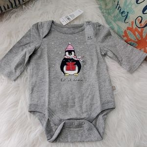 BNWT baby Gap one piece longsleeve Body Suit